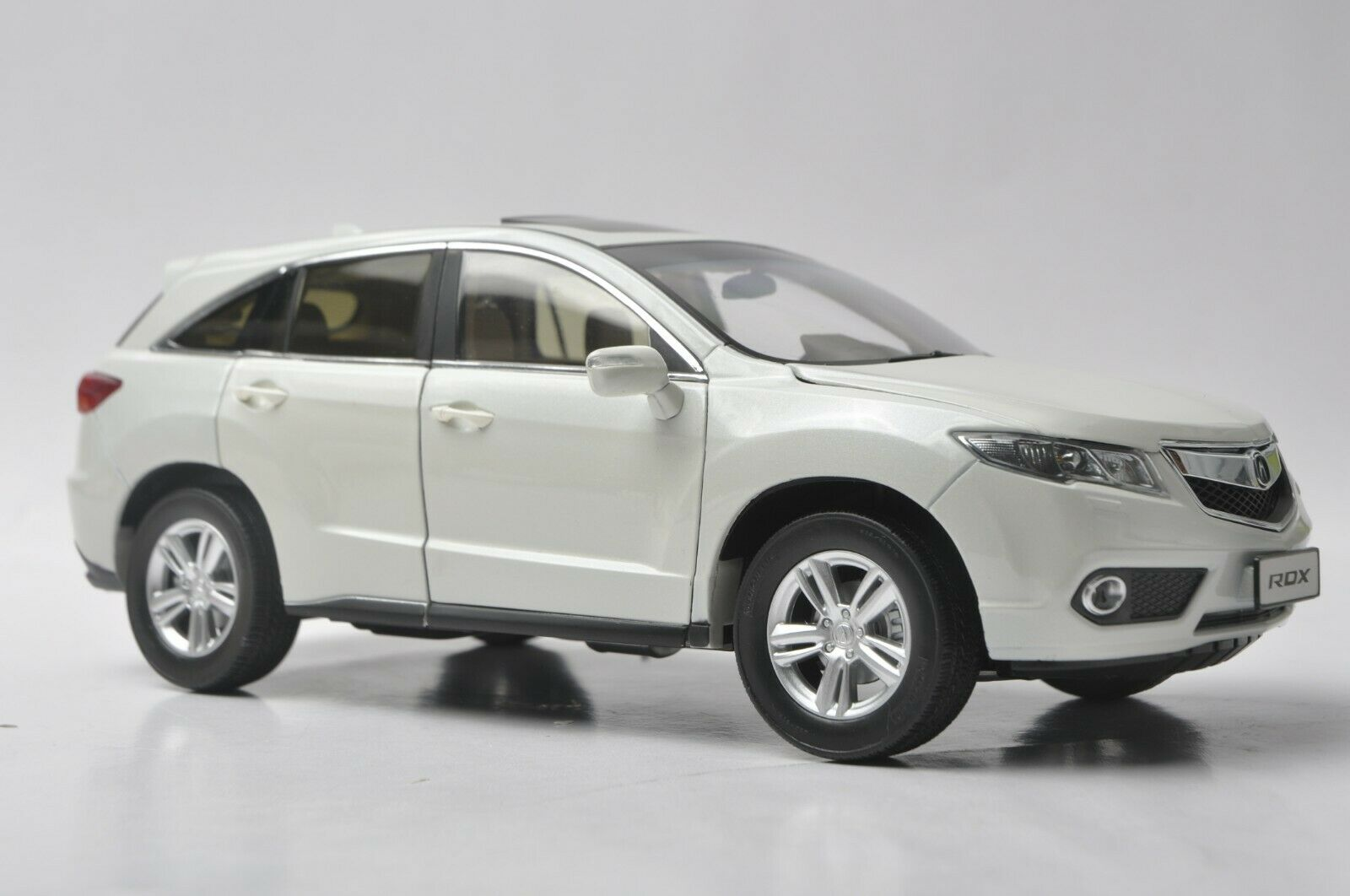 Acura RDX 2013 car model in scale 1 18 White