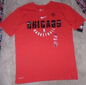 NEW NIKE NBA Chicago Bulls Basketball T