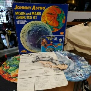 Vintage-1960s-Topper-Johnny-Astro-Moon-amp-Mars-3D-Landing-Base-Set-Complete-w-Box