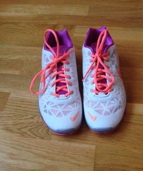 Neue Nike Zumba Sneaker, Gr. 42