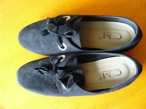Neuves: Chaussures noires femme 39