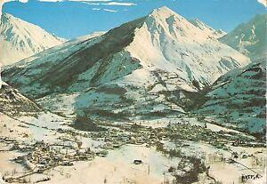 BT4027-Luz-saint-sauveur-vue-generale-et-poc-de-montaigut-France