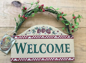 cottage-berry-welcome-sign-wood-and-resin-hanging-sign