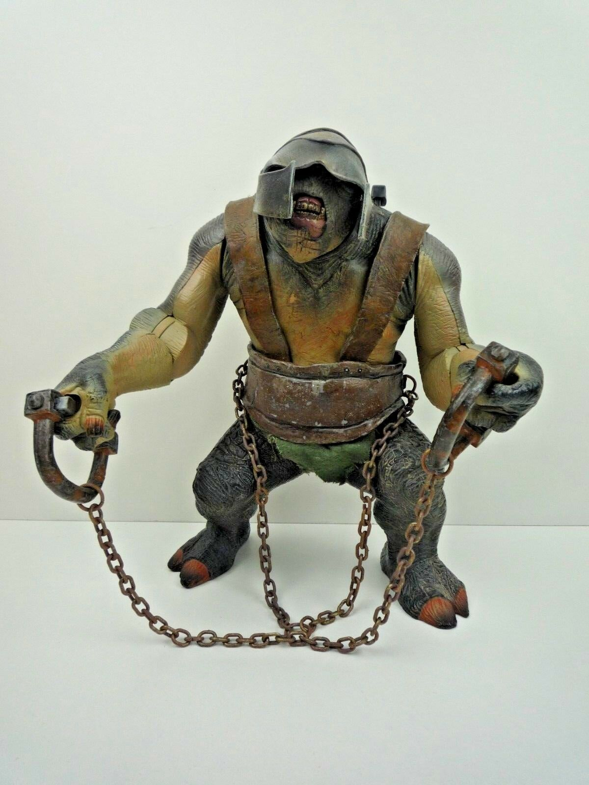 LORD OF THE RINGS ARMOUROT CAVE TROLL WITH SOUNDS & ARM ACTION TOY BIZ 2004