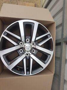 Toyota-Hilux-SR5-Genuine-Alloy-Wheels-Rims-18-inch-As-New-Fit-Prado-Fortuner