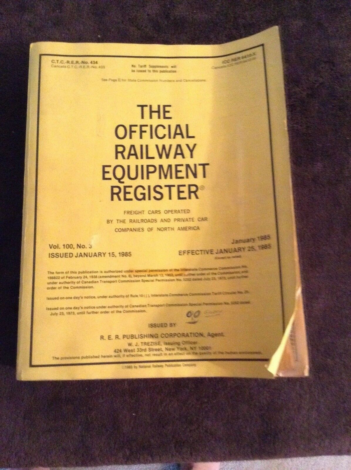 1985  The Official Railway Equipment Register