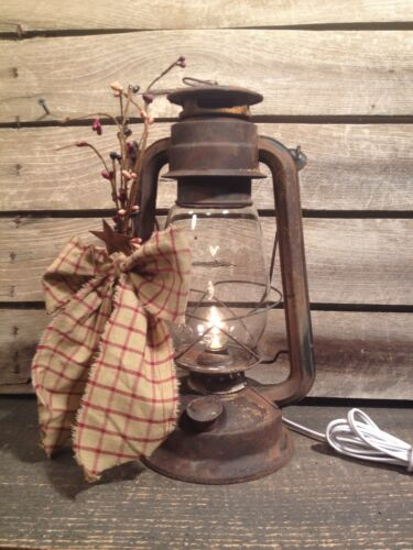 Rusty Metal Decorated Electric Lantern Country Rustic Farmhouse Decor