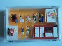 Preiser Cloak Room / Closet Furniture W/ 2 Figures Ho 1/87 10658