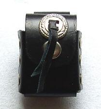 Leder Gürtel Etui schwarz mit Cobcho und Nieten handelsübliche Benzin Feuerzeug