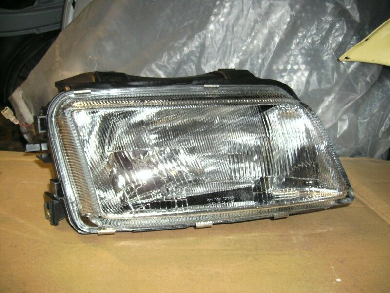 AUDI A4 B5 1995/1999 BRAND NEW HEADLIGHTS FOR SALE PRICE-R995 EACH