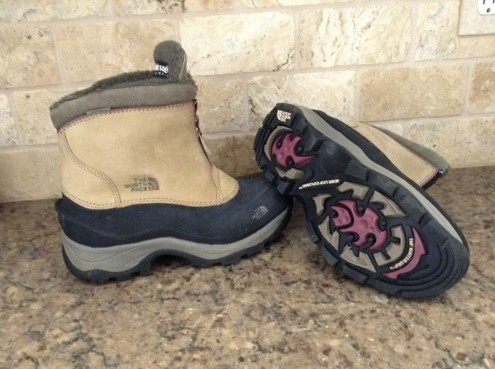 NORTH FACE Womens Sz 6 Waterproof Insulated Snow Boots w  Winter Tract