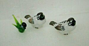 Vintage-1960-039-s-Bird-Figurine-3-birds-1-blown-glass-amp-2-ceramic-numbered-C-8954