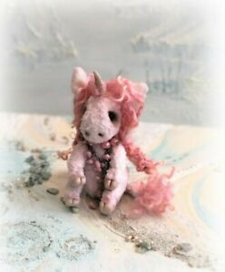 Pink-Faux-Fur-Unicorn-OOAK-jointed-Aged-Artist-one-off-Design-Boulter-Bear