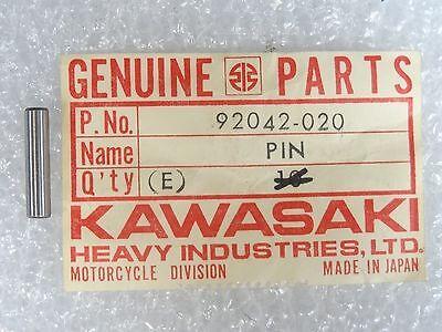 NOS KAWASAKI  PIN CHANGE DRUM  PIN DOWEL 4X17.8   Z1  KZ900  KZ1000    92042-020