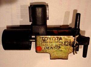 Toyota//Lexus V6 VACUUM SWITCH VALVE OEM Denso 25860-20040