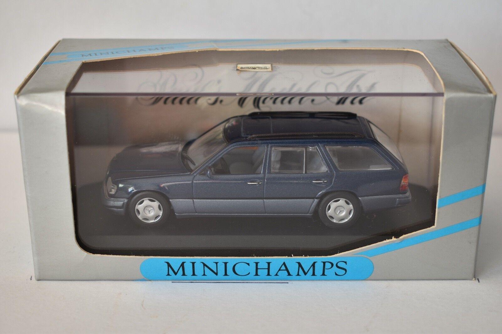Minichamps - Mercedes-Benz E Klass Break Nautical bleu Metallic - 1993 - 1 43