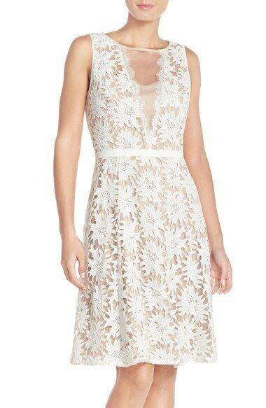 ADRIANNA PAPELL ILLUSIONS FLORAL LACE FIT & FLARE IVORY NUDE DRESS sz 2