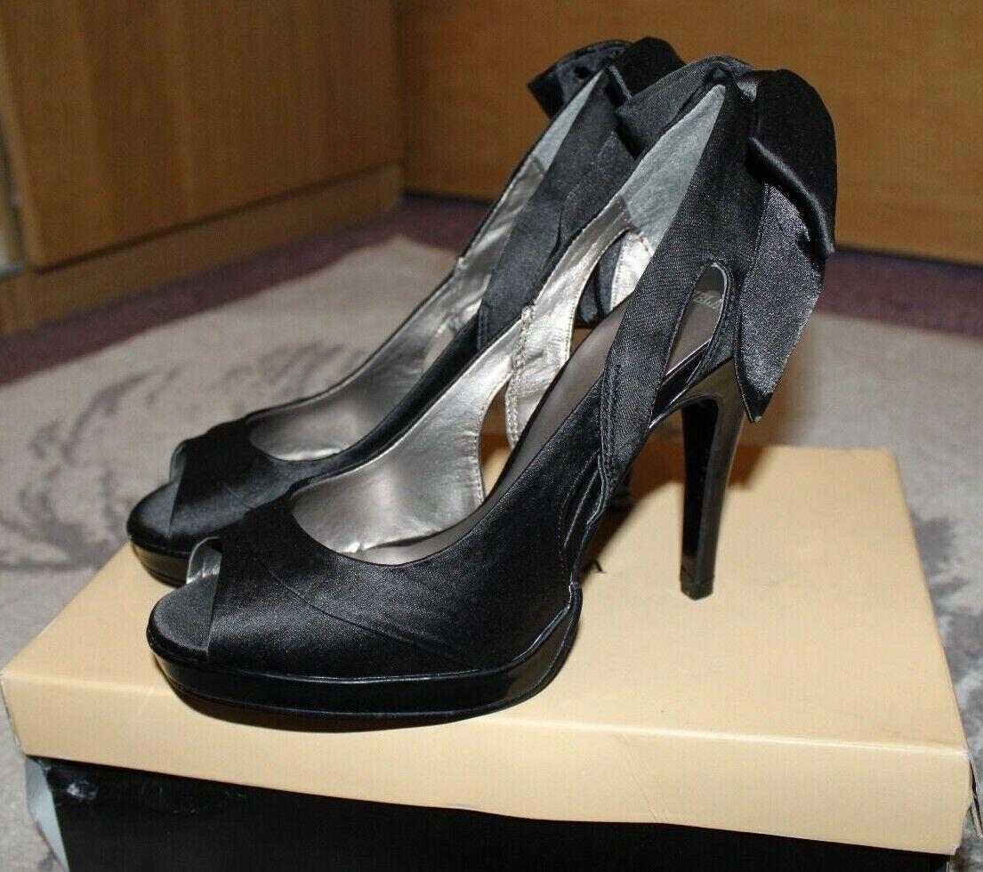 KG Carvela high heel shoes UK Size 4