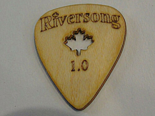 RIVERSONG WOODEN GUITAR PICKS 1.00 MM  MAPLE WOOD MADE IN CANADA 4 PICK PACK