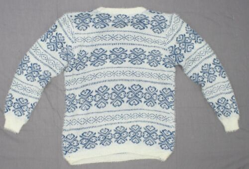 Blue Small nWT Jon and Anna Women/'s Junior Fit Feather Patterned Sweater White