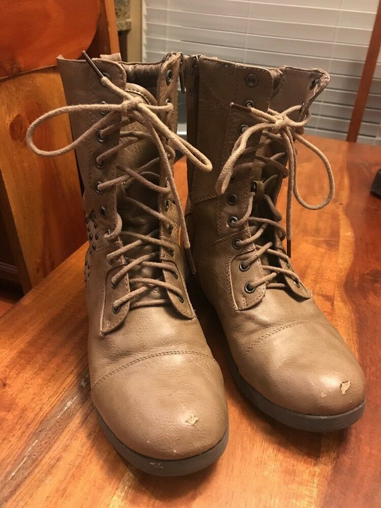 Women's Pink & Pepper Combat Boots Taupe Color Jrconquer Size 6.5 (BB)