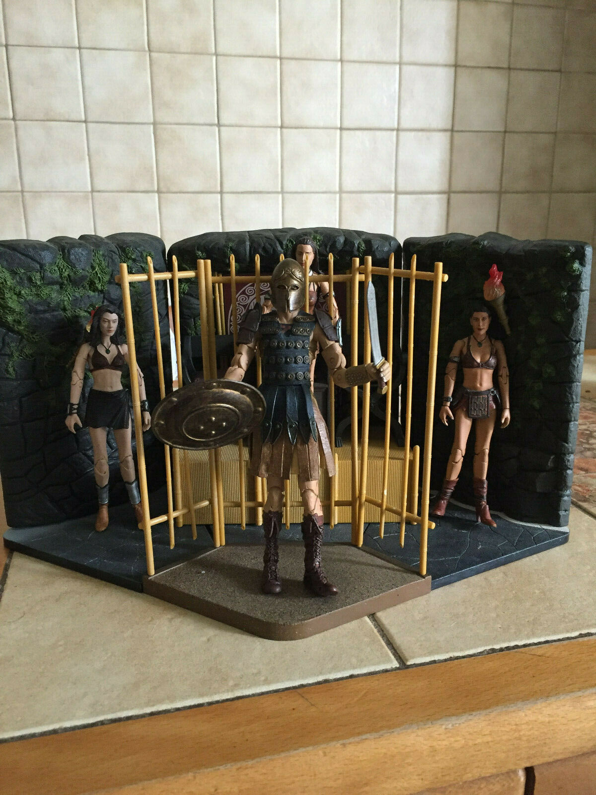 Charmed 4 Figurines series 2 - All set complete     Piper, Phoebe, Paige, Léo 4a5