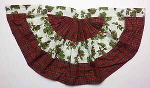 """Great Finds Christmas Plaid with Holly 17.5"""" x 36"""" Cotton Bunting Banner"""