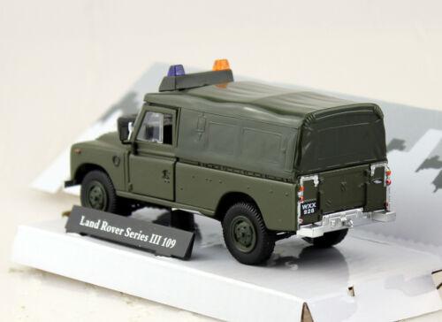 Land Rover Series 3 Pritsche mit Plane und Lichtbalken 1:43 Cararama Modellauto
