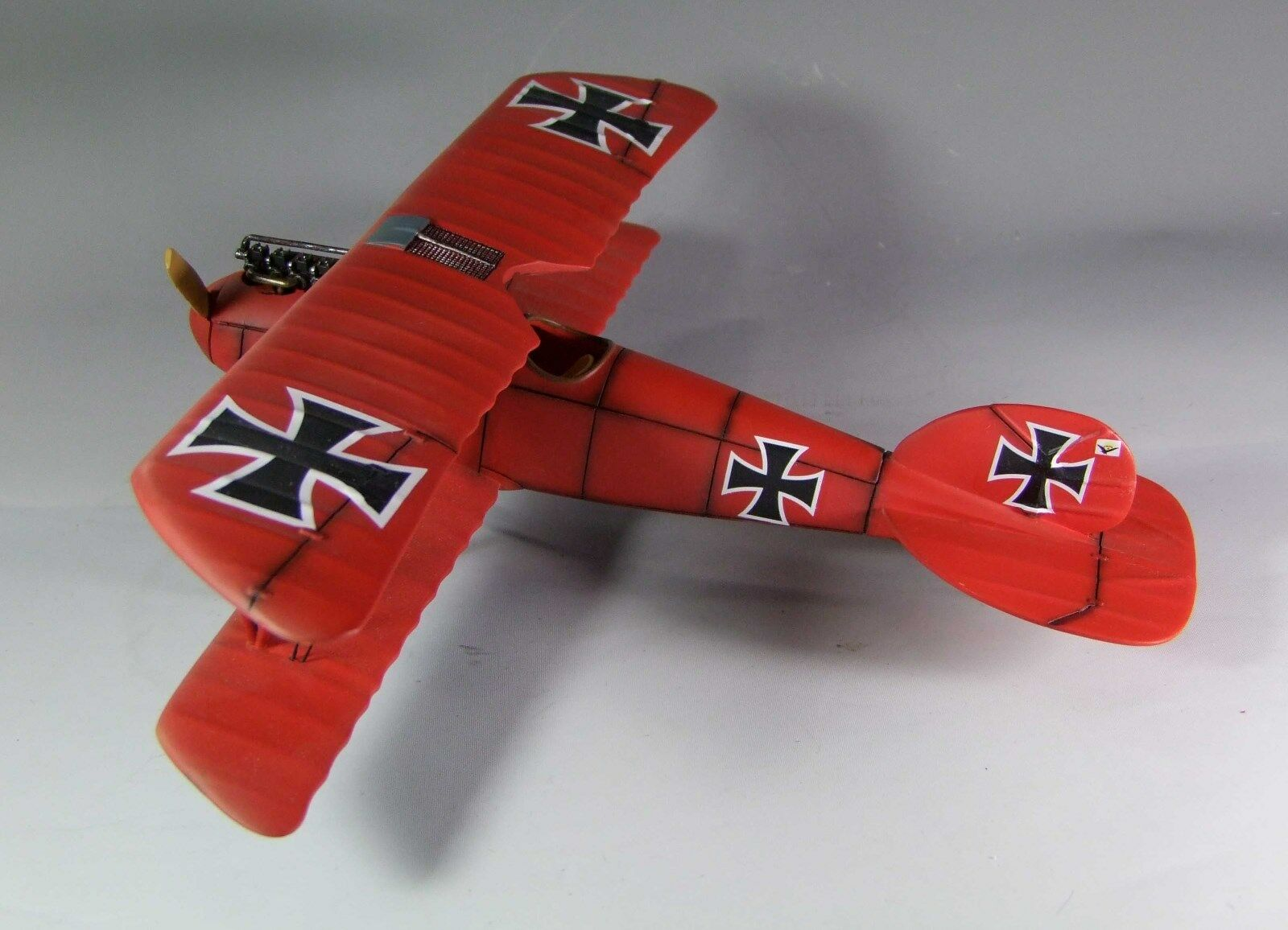1/30 Guerra Mundial ALBATROS D. III un biplano alemán Jasta 11 WG002