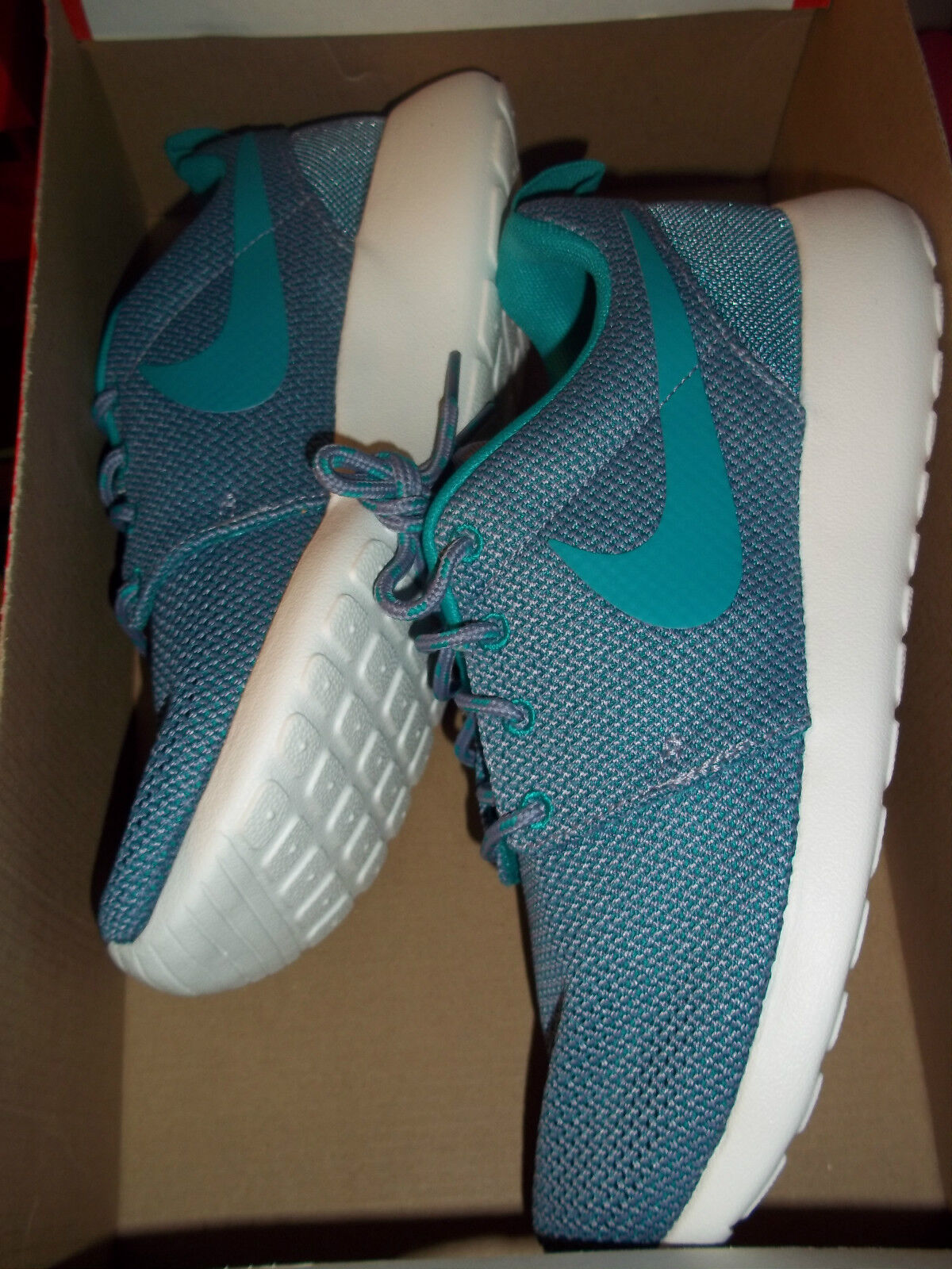 WMNS Nike Rosherun Sz. 7 (511882 504) Iron Purple/Green Summit No Box