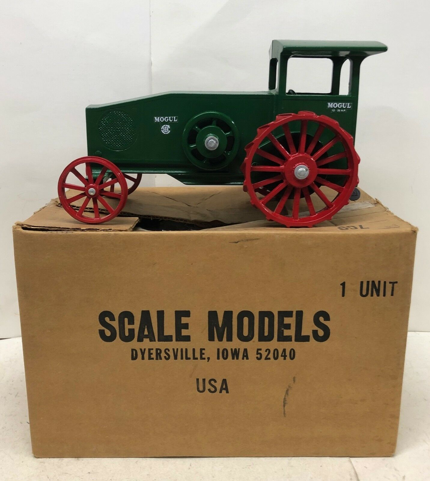 1 16 IH International Harvester 12-25 H.P. Mogul Tractor on Steel Scale Models