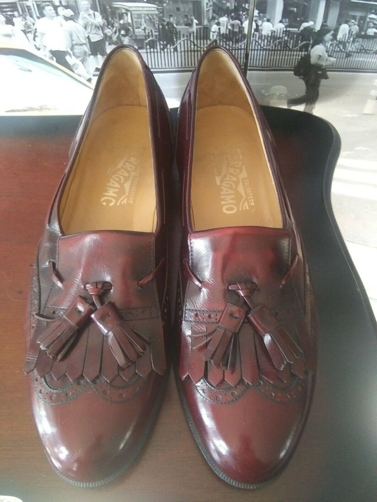 Luxury  Salvatore Ferragamo Mens Dress Loafers wing tip tassel  US 10 M Rare