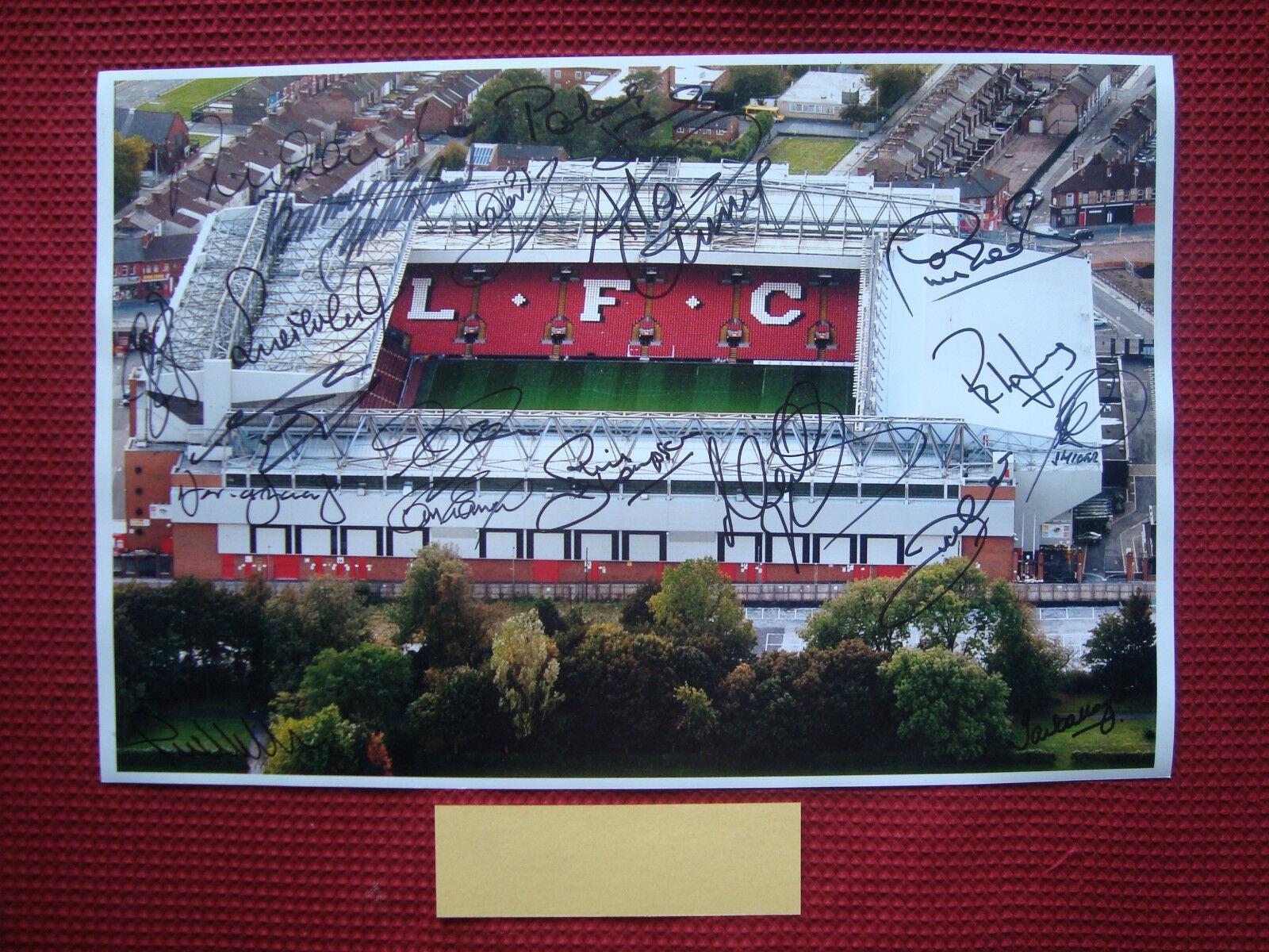 Liverpool Leyendas  19  Original mano firmado 18 x12  foto prueba exacta de pantalla