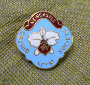 D271-NEWCASTLE-ORCHID-SCOIETY-LAPEL-BADGE