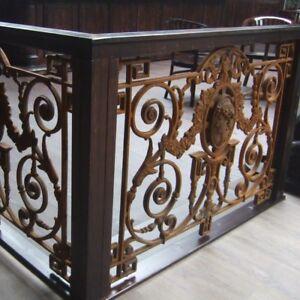 Französisches Balkon Geländer mit Medaillon Antik-Replik