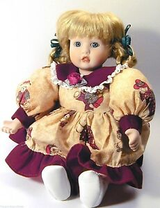 Anco-Bisque-Doll-8-034-Mistletoe-Miss-Music-Box-Animated-Bear-Dress-hand-painted