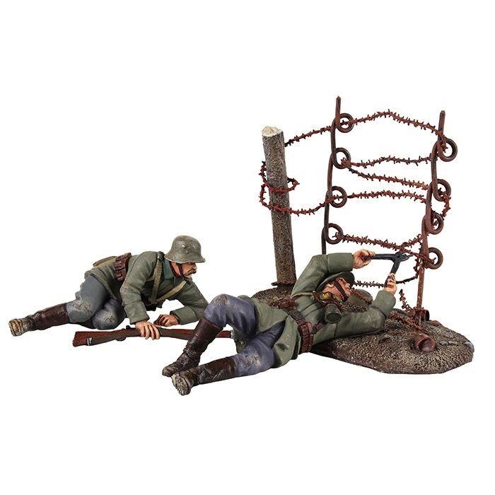 W Britain - World War I  Going Through the Wire  German Wire Cutting Party 23100