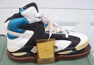 SHAQUILLE O' NEAL REEBOK THE PUMP SHOE CUSTOM DISPLAY w/ SIGNED CARD!!!
