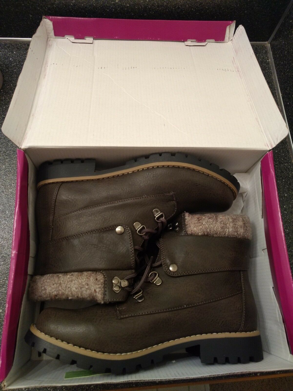New In Box Rampage Waylan Boots, Size 9