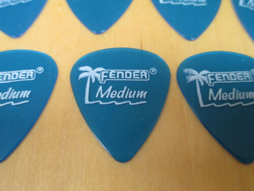 25 FENDER GUITAR PICKS CALIFORNIA CLEAR 351 TYPE IN BLUE MEDIUM