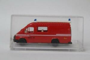 Revell-Praline-83722-Ford-Transit-FW-Basis-1-1-87-Scale-HO-Gauge-Plastic-E12
