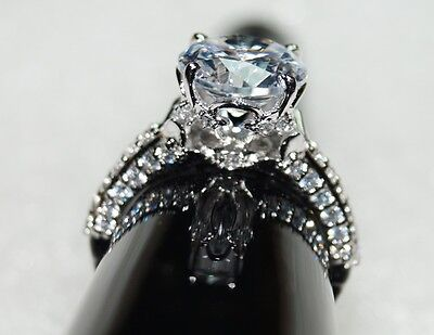 Beautiful 3.89 ct round solitaire & accen 925 silver engagement / wedding ring
