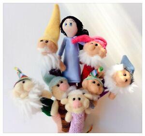 Marionnettes-a-doigts-en-laine-feutree-Blanche-Neige-et-les-Sept-Nains
