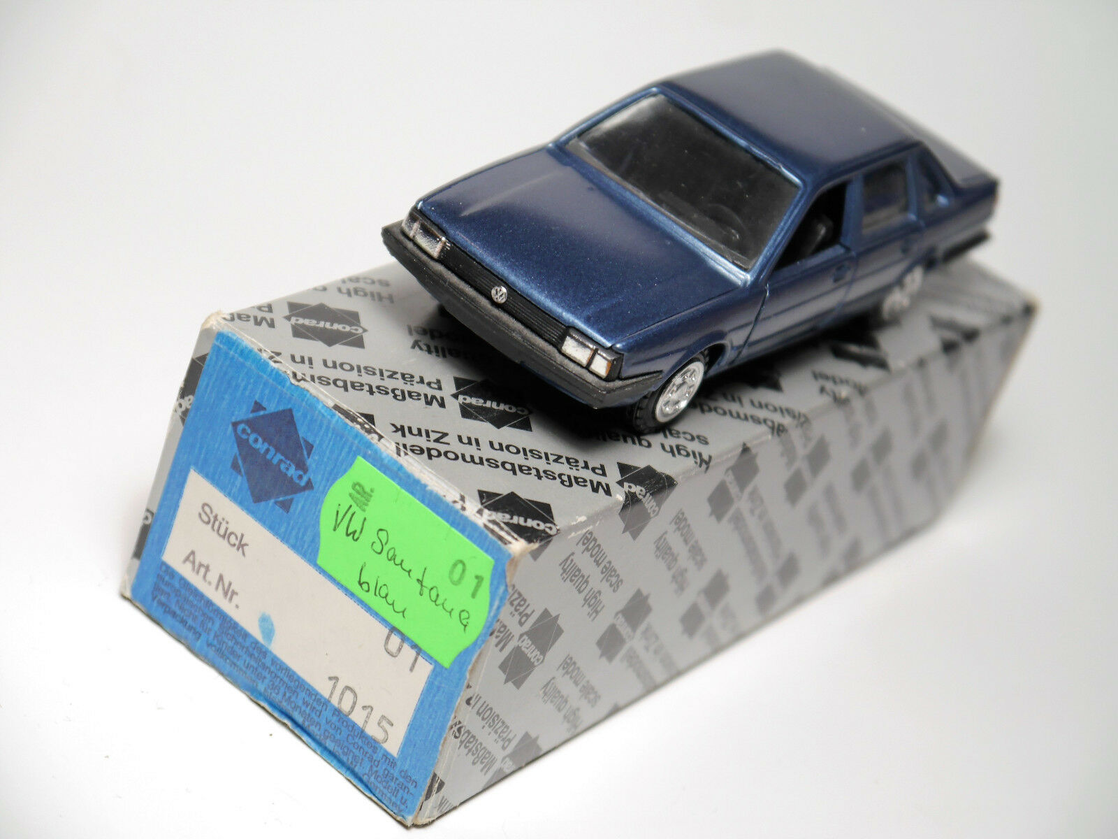 VW SANTANA PASSAT Berlina Saloon Saloon Saloon Quantum Blu blu metallizzato, Conrad 1 43 Boxed 3d3e35
