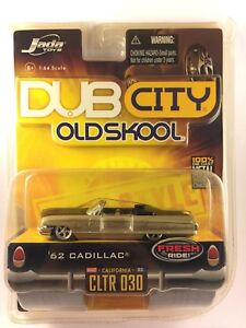 Jada-Dub-City-Old-Skool-1962-039-62-Gold-Cadillac-Convertible-Die-cast-1-64-Scale