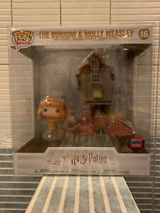 Funko Pop! Town #16 The Burrow and Molly Weasley Shared NYCC w/protector!