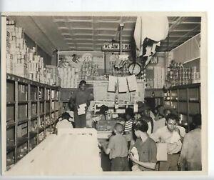 1943-ORIGINAL-VINTAGE-HARLEM-NYC-PHOTO-LOOTING-RIOTS-AFRICAN-AMERICAN-RARE