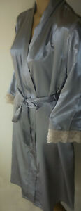 Silver-Satin-Robe-Wrap-Size-8-10-Lace-Trim-Side-Pockets-Long-Dressing-Gown