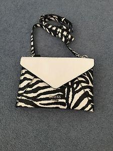 GUESS-handbag-NEW-with-Tags-zebra-design-hand-bag-original