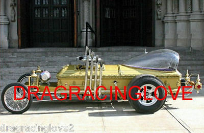 """Delightful Colors And Exquisite Workmanship Novel Designs Famous For Selected Materials Trend Mark """"the Munsters"""" """"drag-u-la"""" George Barris Built Kustom Rail Dragster 8x10 Photo"""